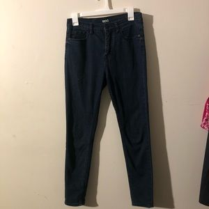 UO BDG HIGH RISE TWIG SKINNY JEANS